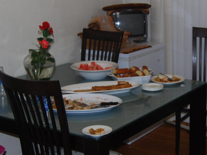 A Darfuri family's meal in the U.S.